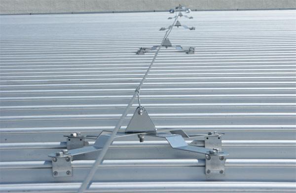直立锁边高立边铝镁锰金属屋面系统防坠落装置